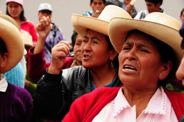 mujeres peruanas furiosas